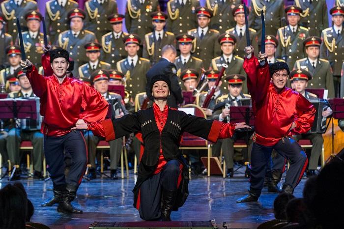 Танцевальная группа ансамбля Александрова
